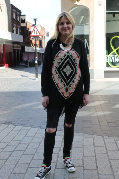 Top – Primark Jeans – Primark Necklace – Primark Shoes - Converse